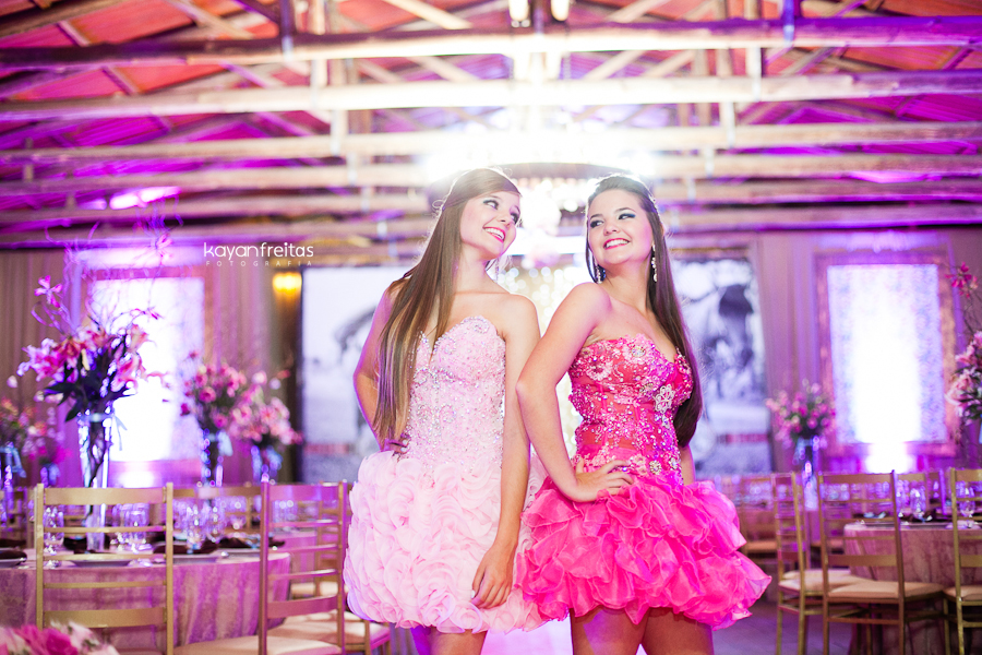 15anos-gemeas-ctg-rr-0012 15 anos Rafaela e Roberta Calegari - CTG Os Praianos