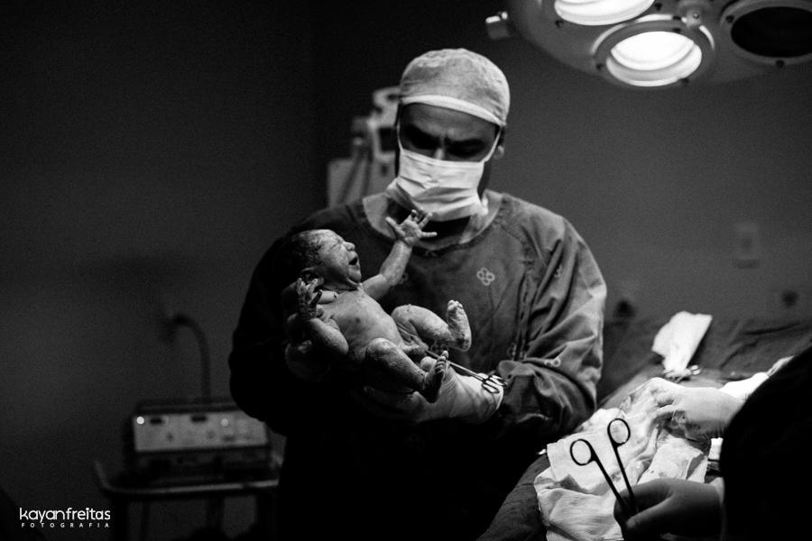 julia-fotografia-parto-0017 Nascimento da Julia - Clinica Santa Helena Florianópolis