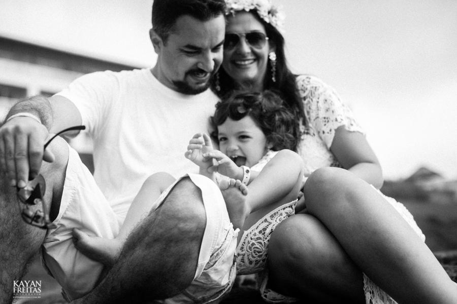 mariana-sessao-costaodosantinho-0028 Bia + Fabiano + Mariana - Sessão Familia - Florianópolis
