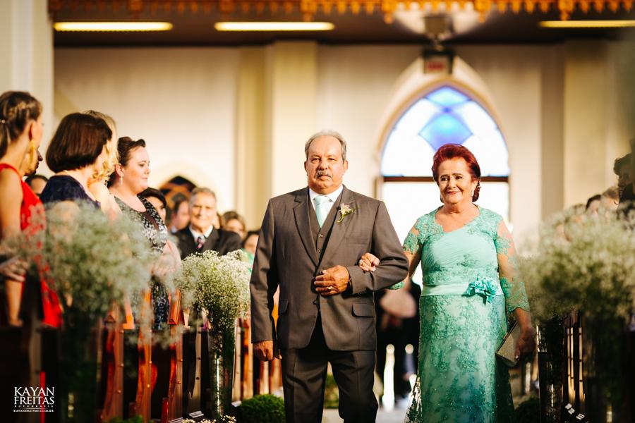 casamento-gabriela-junior-0051 Gabriela + Junior - Casamento - Santo Amaro da Imperatriz