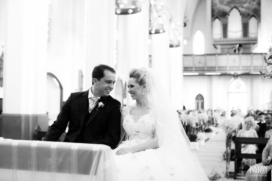 casamento-gabriela-junior-0074 Gabriela + Junior - Casamento - Santo Amaro da Imperatriz