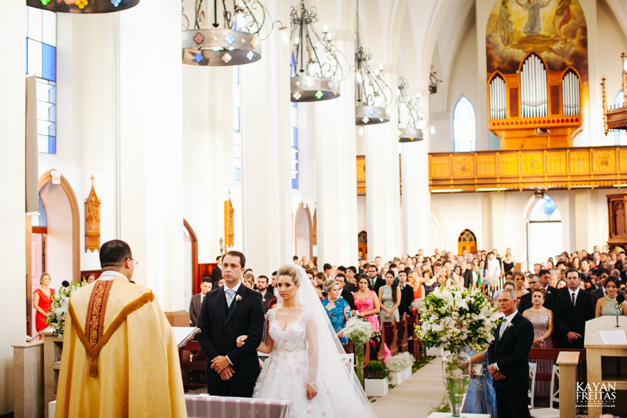 casamento-gabriela-junior-0075 Gabriela + Junior - Casamento - Santo Amaro da Imperatriz