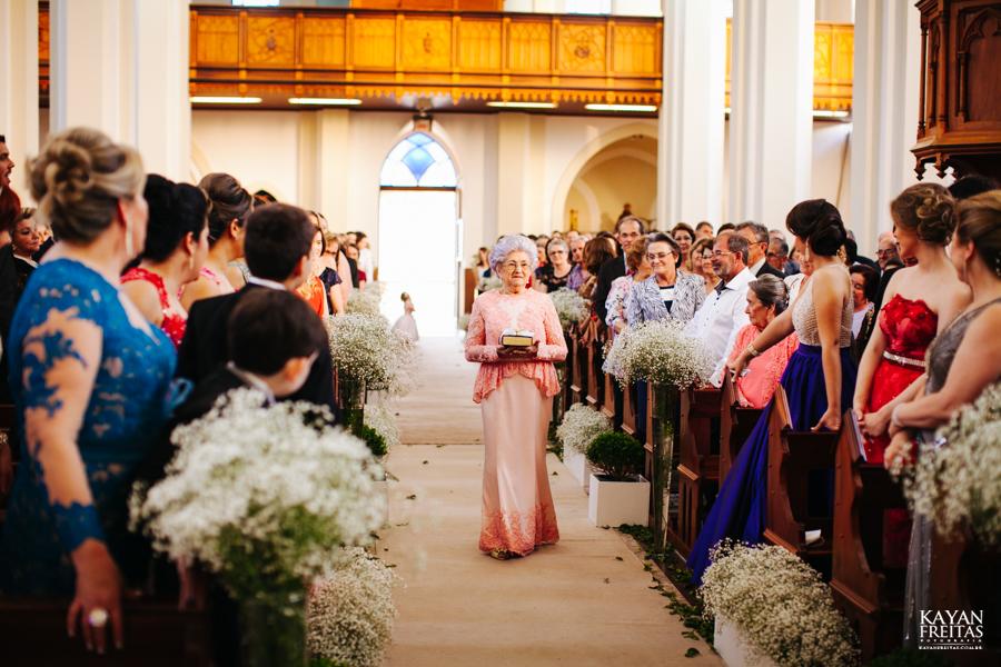 casamento-gabriela-junior-0083 Gabriela + Junior - Casamento - Santo Amaro da Imperatriz