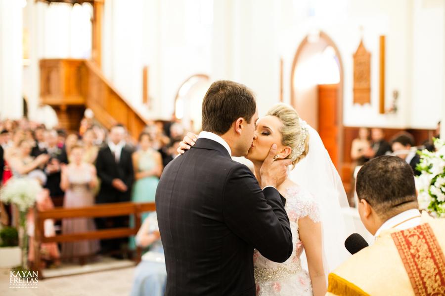 casamento-gabriela-junior-0092 Gabriela + Junior - Casamento - Santo Amaro da Imperatriz