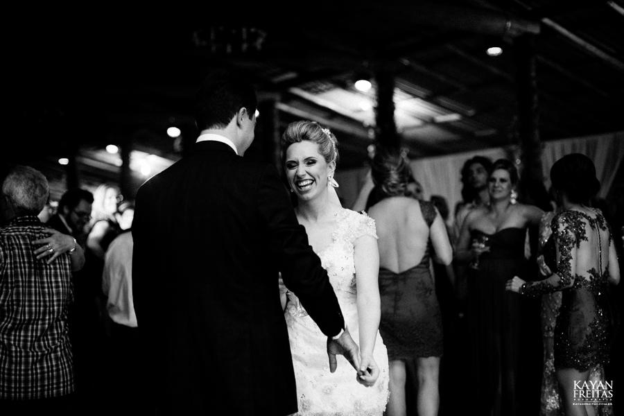 casamento-gabriela-junior-0133 Gabriela + Junior - Casamento - Santo Amaro da Imperatriz