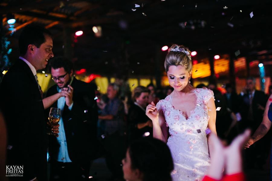 casamento-gabriela-junior-0137 Gabriela + Junior - Casamento - Santo Amaro da Imperatriz