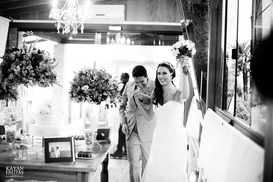 casamento-mari-fernando-0129 Mariana + Fernando - Casamento em Florianópolis - Pier 54
