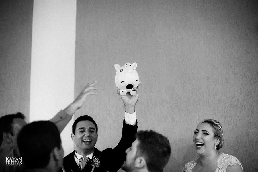 larissa-junior-casamento-0100 Larissa + Junior - Casamento em Biguaçu