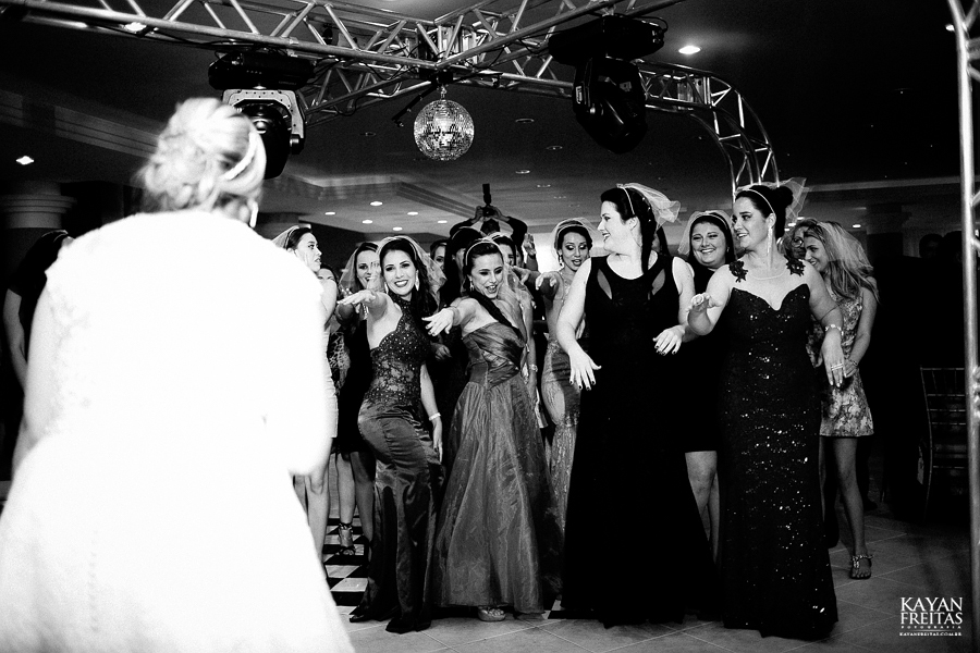 larissa-junior-casamento-0104 Larissa + Junior - Casamento em Biguaçu