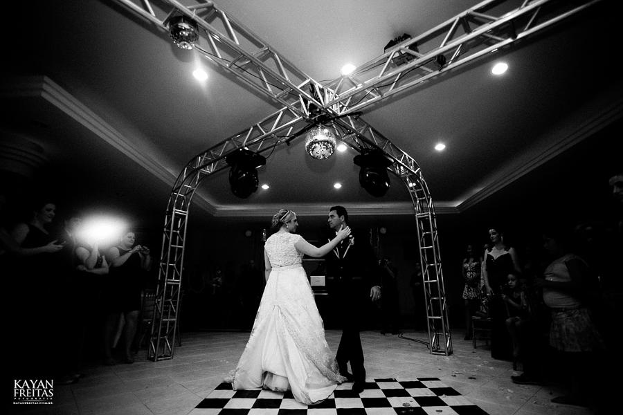 larissa-junior-casamento-0110 Larissa + Junior - Casamento em Biguaçu