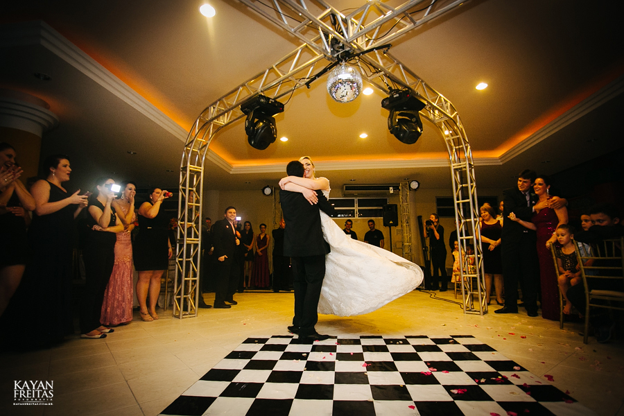 larissa-junior-casamento-0111 Larissa + Junior - Casamento em Biguaçu