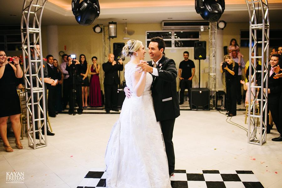 larissa-junior-casamento-0112 Larissa + Junior - Casamento em Biguaçu