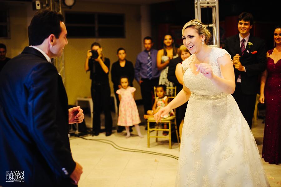 larissa-junior-casamento-0113 Larissa + Junior - Casamento em Biguaçu