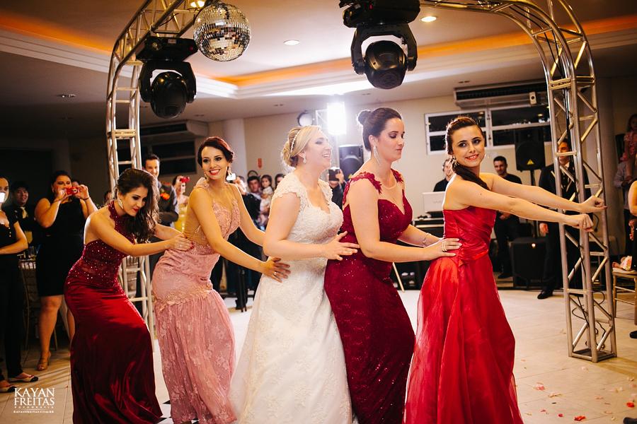 larissa-junior-casamento-0115 Larissa + Junior - Casamento em Biguaçu