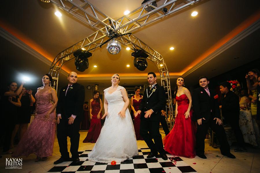 larissa-junior-casamento-0118 Larissa + Junior - Casamento em Biguaçu