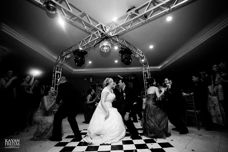 larissa-junior-casamento-0119 Larissa + Junior - Casamento em Biguaçu