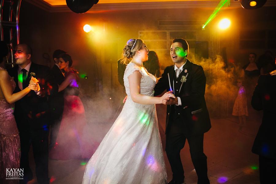 larissa-junior-casamento-0120 Larissa + Junior - Casamento em Biguaçu