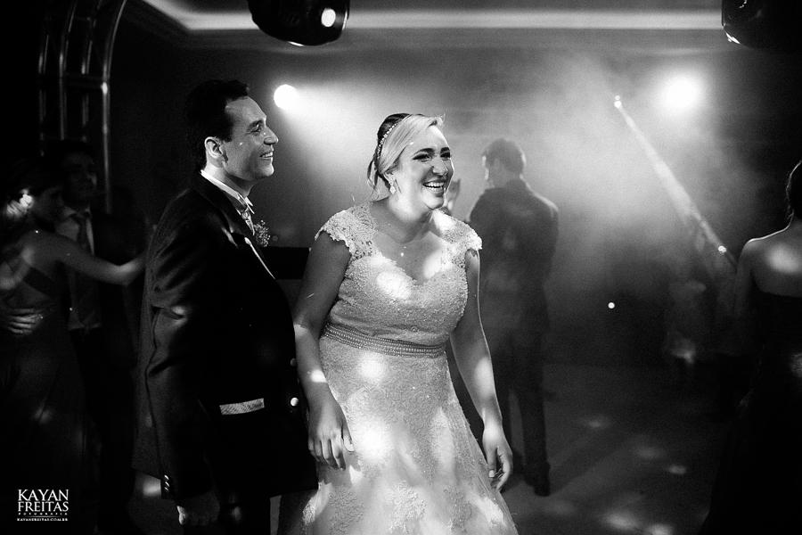 larissa-junior-casamento-0121 Larissa + Junior - Casamento em Biguaçu