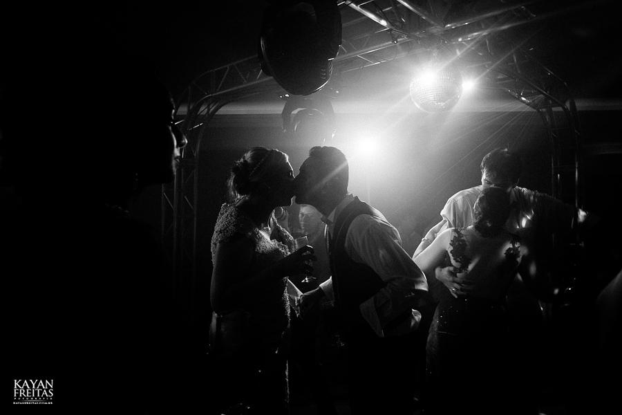 larissa-junior-casamento-0124 Larissa + Junior - Casamento em Biguaçu
