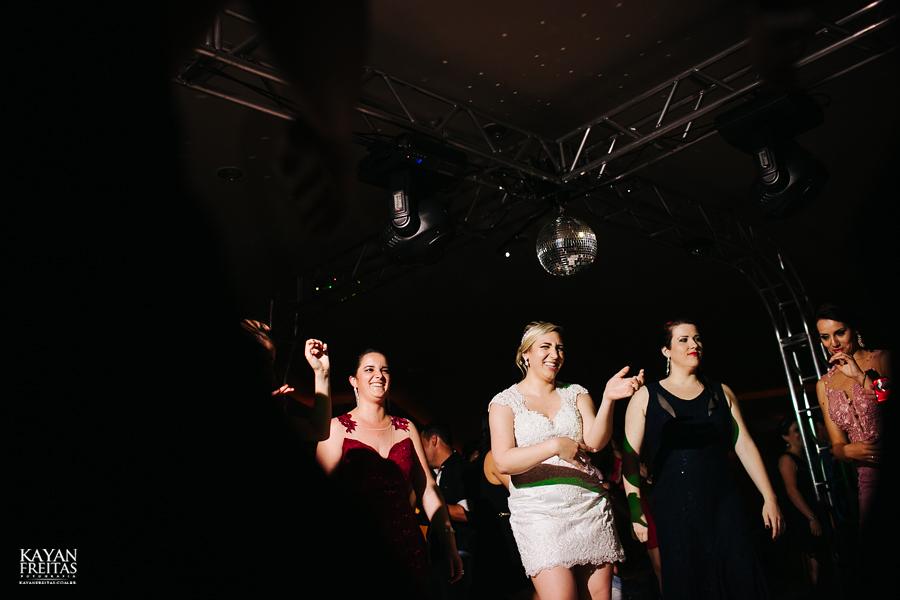 larissa-junior-casamento-0129 Larissa + Junior - Casamento em Biguaçu