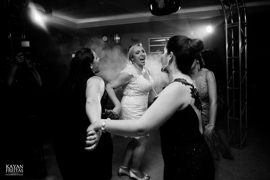 larissa-junior-casamento-0133 Larissa + Junior - Casamento em Biguaçu