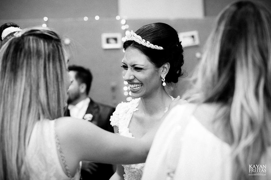 renatta-volnei-0084 Renatta + Volnei - Casamento em São José