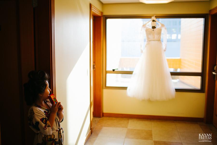 casamento-alamedacasarosa-dani-gabi-0008 Casamento Gabriela e Daniel - Alameda Casa Rosa - Florianópolis