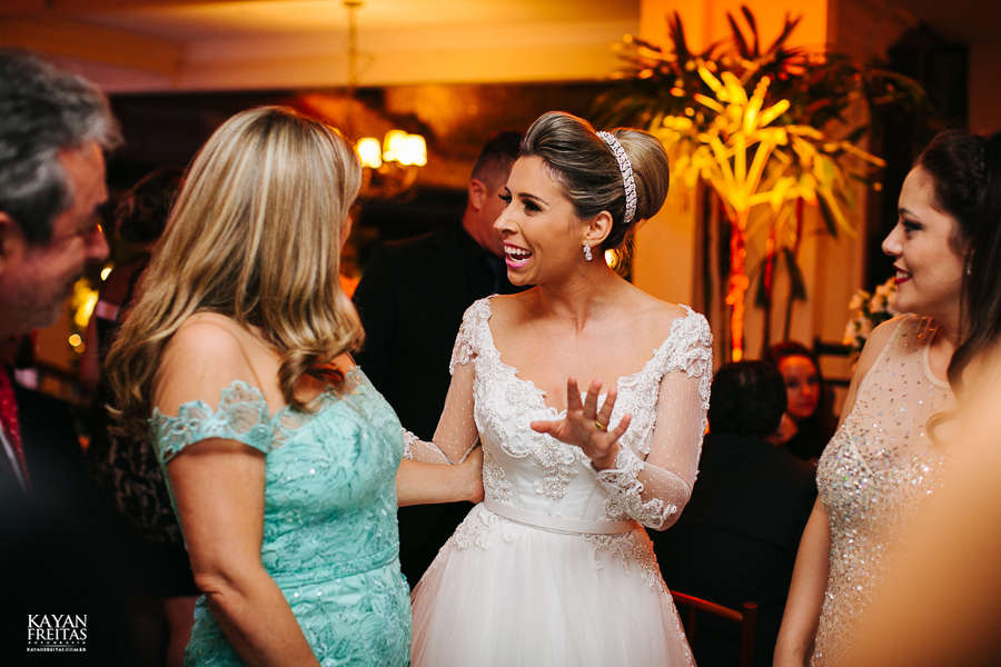 casamento-alamedacasarosa-dani-gabi-0111 Casamento Gabriela e Daniel - Alameda Casa Rosa - Florianópolis