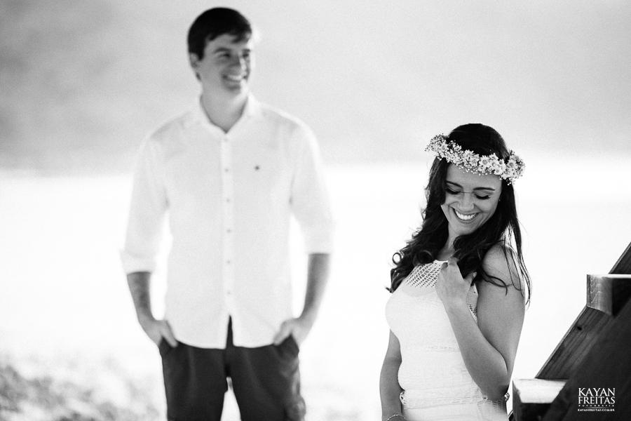 lais-bryan-precasamento-0013 Sessão Pré Casamento Lais e Brayan - Guarda do Embaú