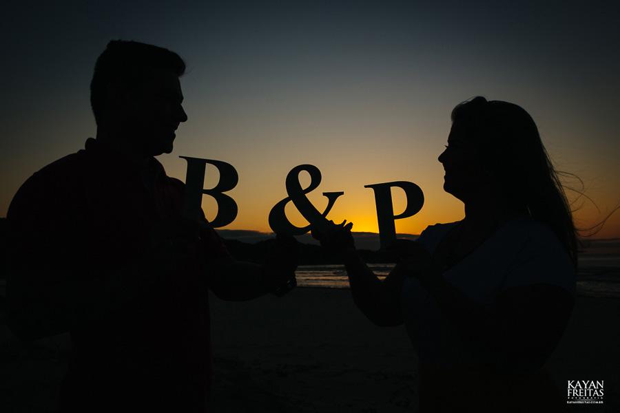 paula-bruno-sessao-0004 Sessão Pré Casamento Paula e Bruno - Guarda do Embaú