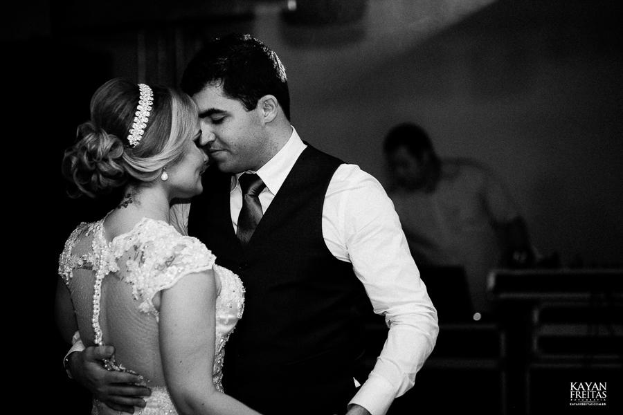 tiago-mayara-casamento-0100 Casamento Mayara e Tiago - Santo Amaro da Imperatriz