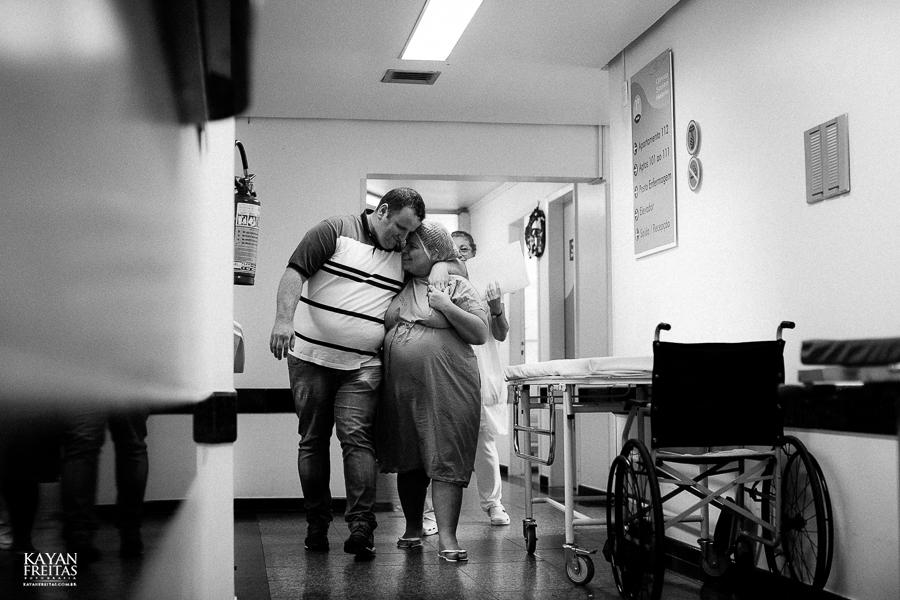 fotografia-parto-vinicius-0005 Nascimento do Vinícius - Clinica Santa Helena Florianópolis