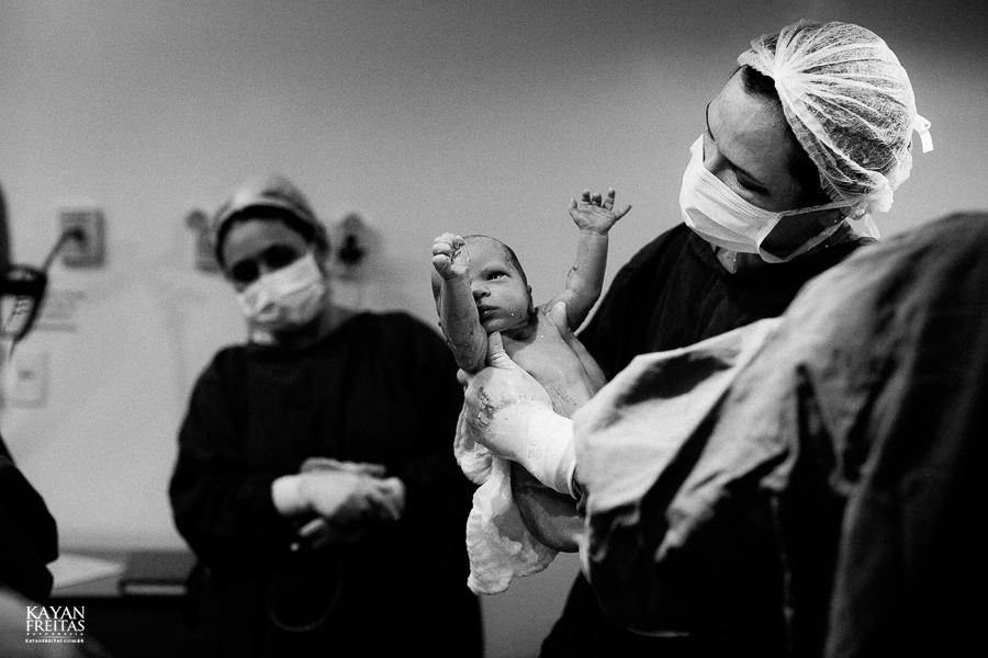 fotografia-parto-vinicius-0018 Nascimento do Vinícius - Clinica Santa Helena Florianópolis