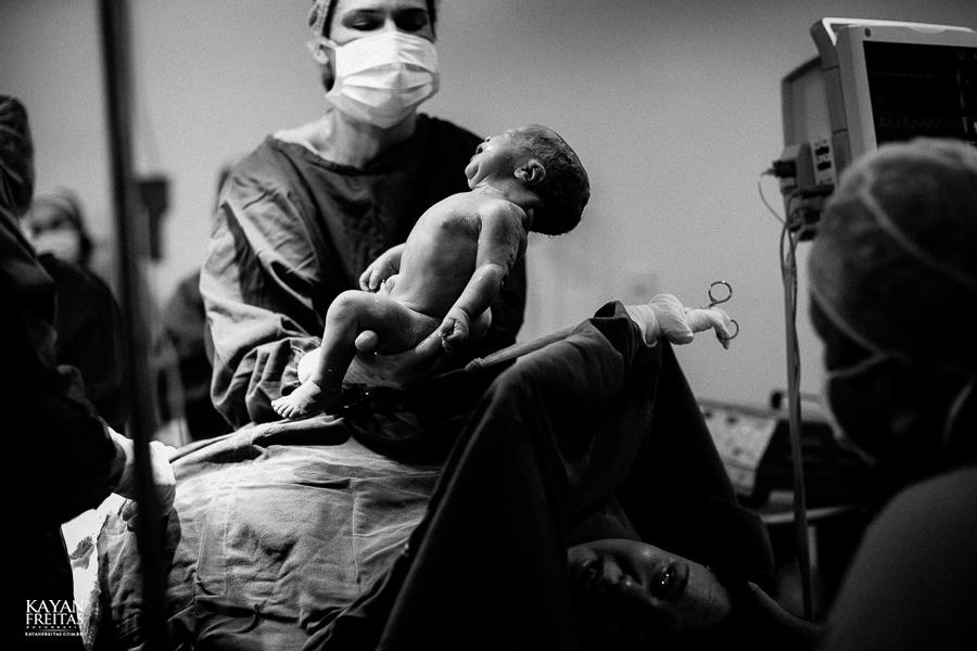 fotografia-parto-vinicius-0020 Nascimento do Vinícius - Clinica Santa Helena Florianópolis