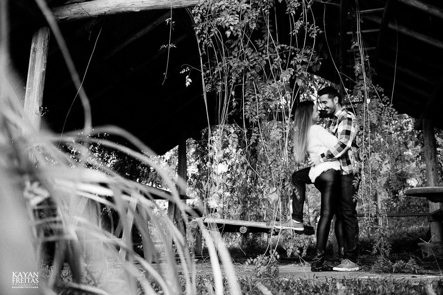 natalia-cicero-precasamento-0011 Sessão pré casamento Natália e Cícero - Imbituba