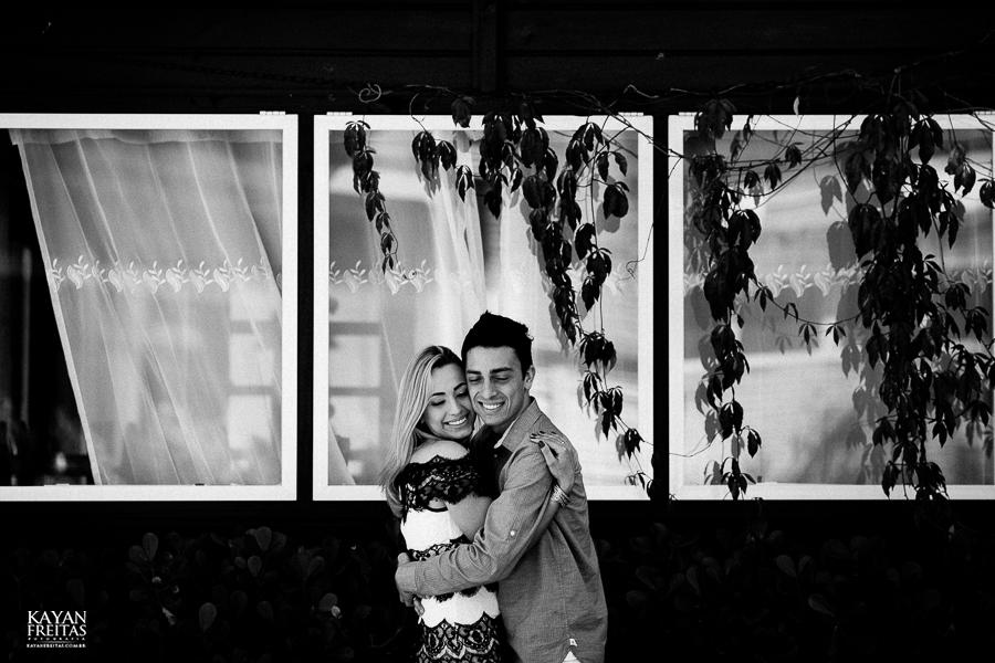 debora-bruno-precasamento-0026 Sessão pré casamento - Débora e Bruno - Pedra Branca