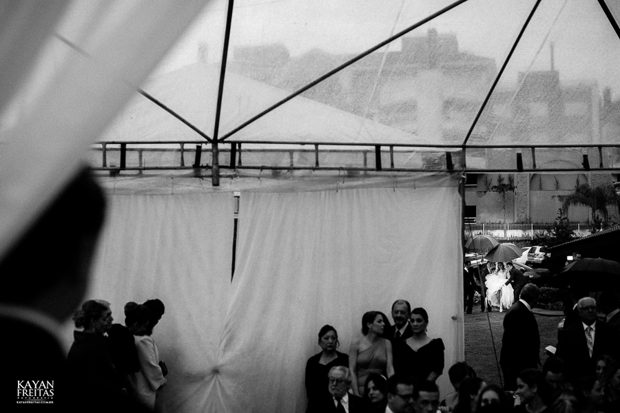 caasmento-ar-livre-fep-0048 Fabiana e Pedro - Casamento em Florianópolis