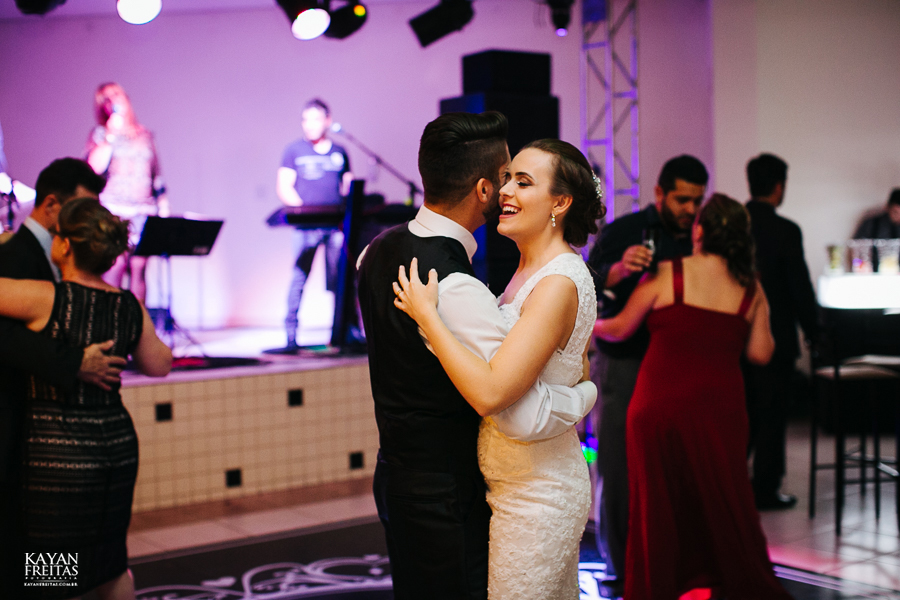 leandro-inglity-0120 Casamento Inglity e Leandro - Paula Ramos - Florianópolis