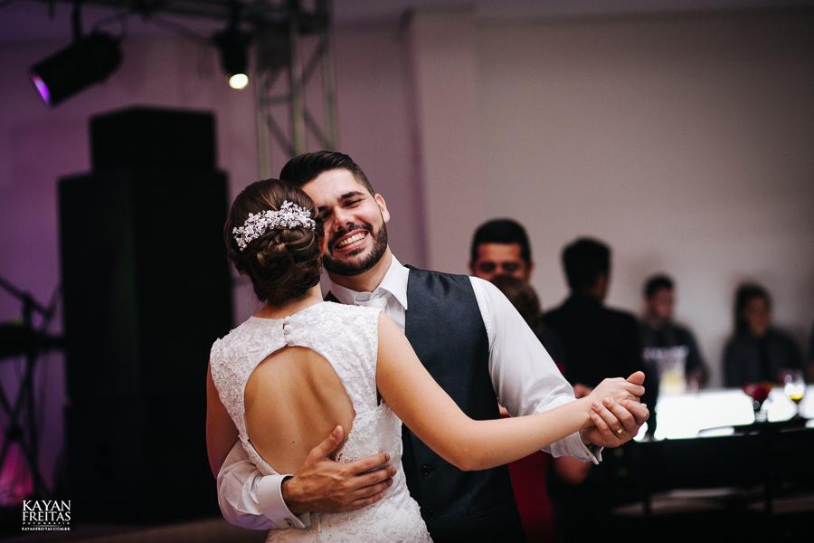 leandro-inglity-0121 Casamento Inglity e Leandro - Paula Ramos - Florianópolis