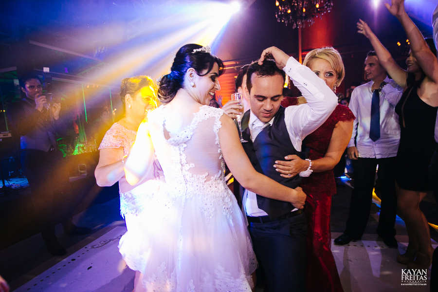 casamento-daiana-bruno-0105 Casamento Daiana e Bruno - Mansão Luchi