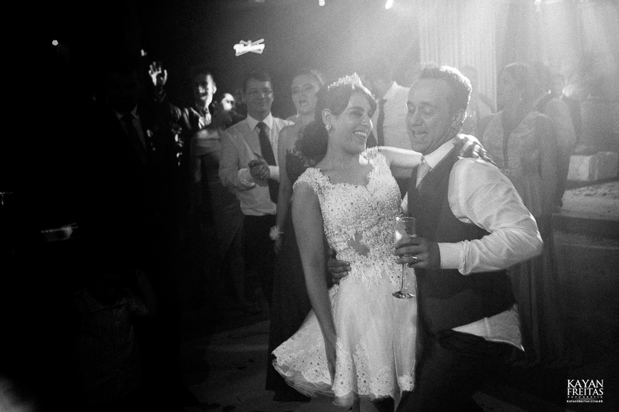 casamento-daiana-bruno-0112 Casamento Daiana e Bruno - Mansão Luchi