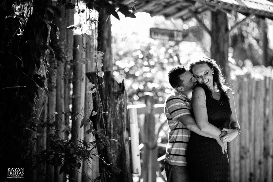 mireli-leandro-precasamento-0003 Sessão pré Casamento Guarda do Embaú - Mireli e Leandro