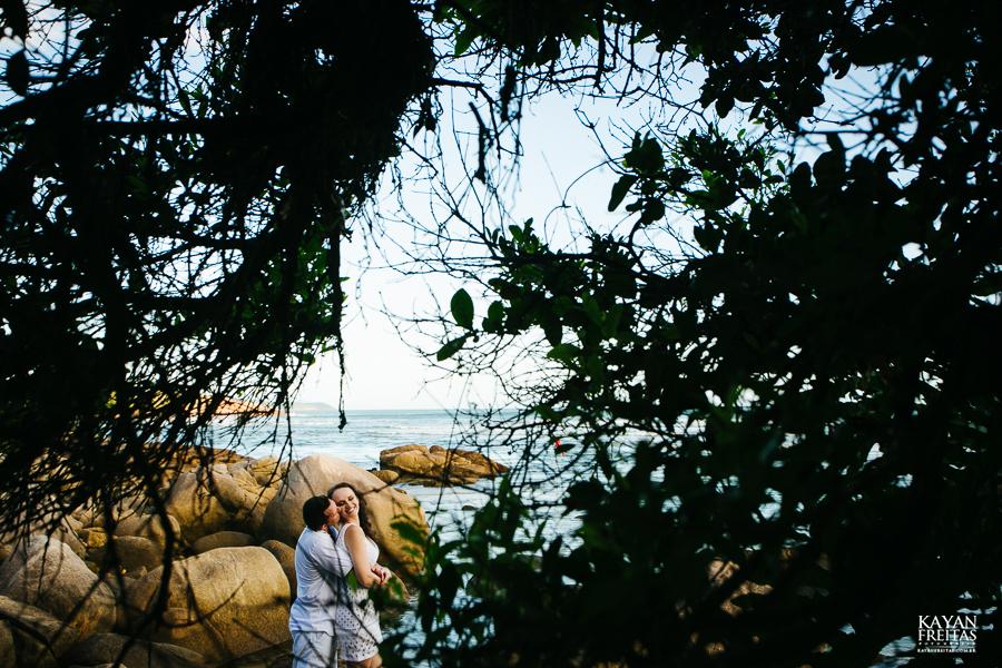 mireli-leandro-precasamento-0016 Sessão pré Casamento Guarda do Embaú - Mireli e Leandro