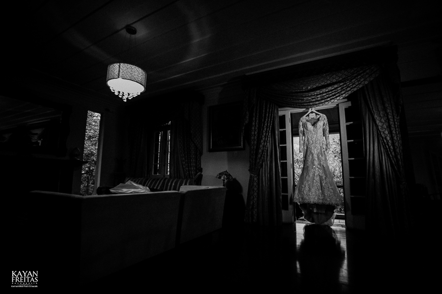 vestido da noiva na alameda casa rosa