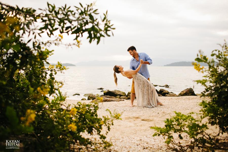 fotografo-florianopolis-precasamento-0021 Camila e Filippi - Sessão pré casamento em Florianópolis