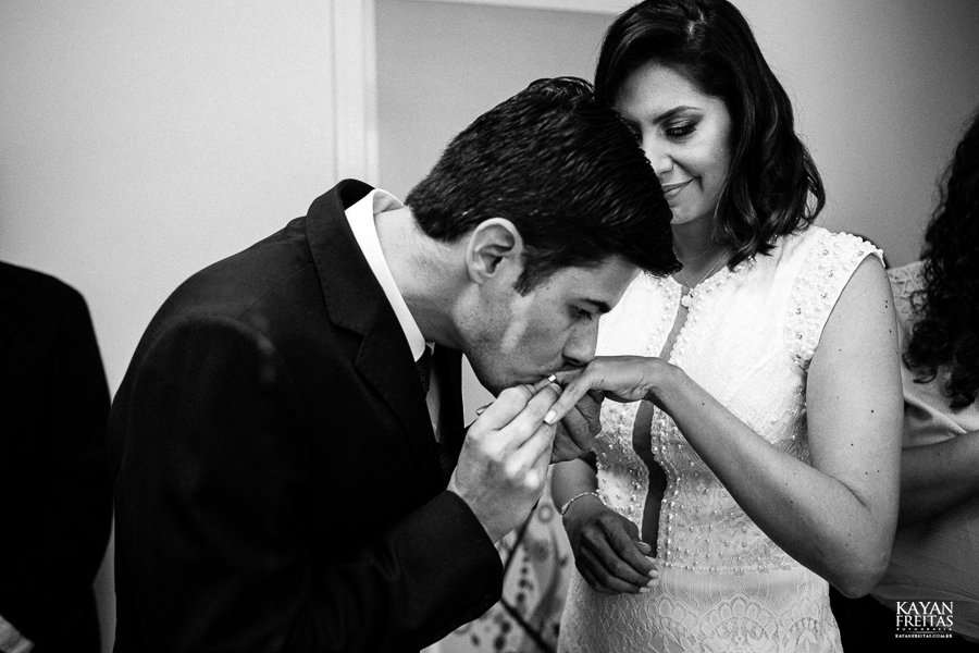 aline-alesandro-0004 Aline e Alesandro - Mini Wedding em Florianópolis