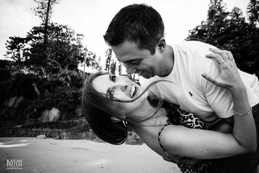luana-lucas-precasamento-0030 Luana e Lucas - Sessão pré casamento Florianópolis