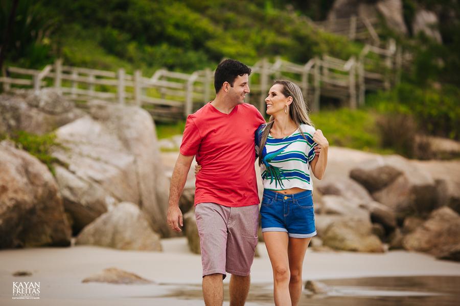 fabiana-rafael-precasamento-0002 Sessão pré casamento Fabiana e Rafael - Garopaba / SC