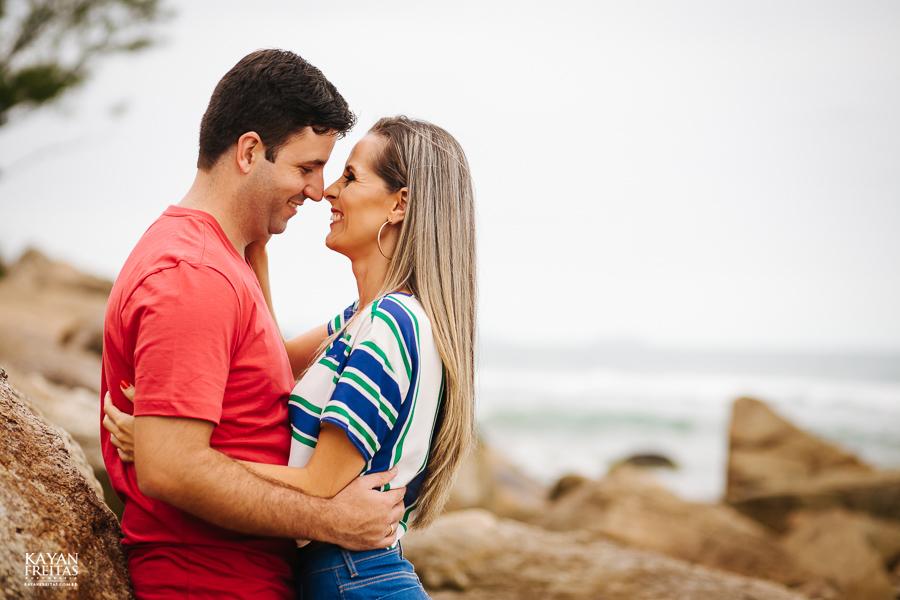 fabiana-rafael-precasamento-0003 Sessão pré casamento Fabiana e Rafael - Garopaba / SC
