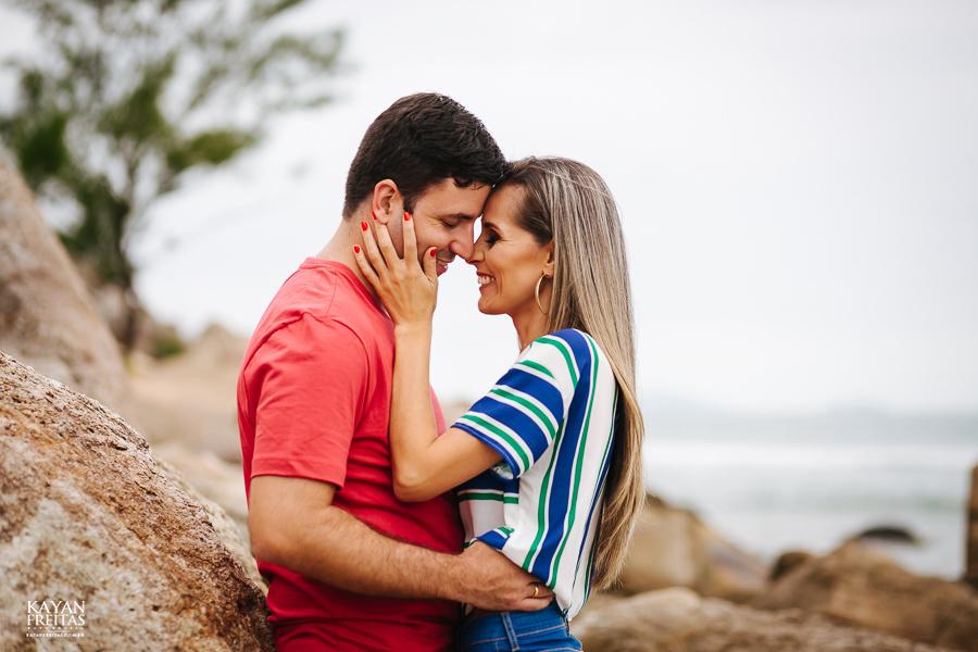 fabiana-rafael-precasamento-0005 Sessão pré casamento Fabiana e Rafael - Garopaba / SC